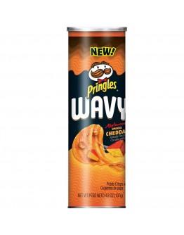 Pringles Wavy Applewood Smoked Cheddar 137g